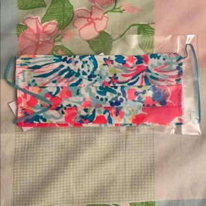 Brand new Lilly Pulitzer face mask with nose wire